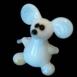 Mouse glass figurine