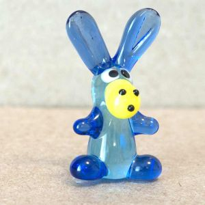 Blue Glass Donkey, fig. 2