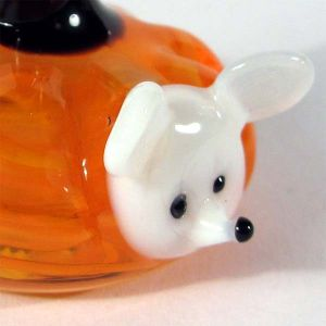Glass Mouse in the Pumpkin, fig. 2